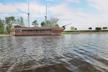Beautiful river vessel - бесплатный image #333149