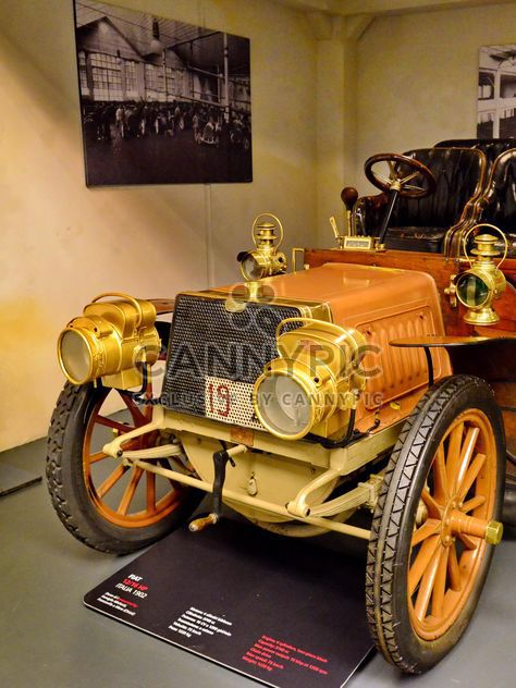 vintage cars in museum - Kostenloses image #334839