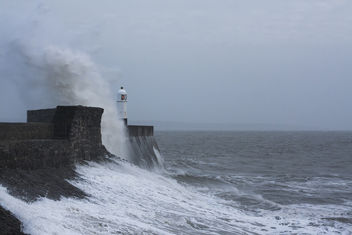 High tide at Porthcawl, Vale of Glamorgan - бесплатный image #337429
