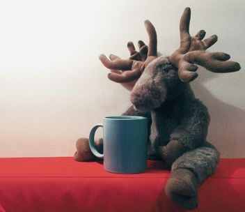 Plush elk and cup - image gratuit #337909