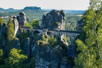 Medieval bridge and rocks - бесплатный image #338599