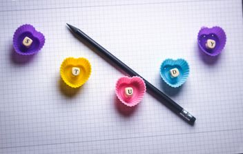 Still life with decor letters, pen and hearts - image gratuit #342129