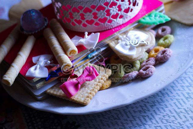 Vanilla still life with pearls and glitter - Free image #342159