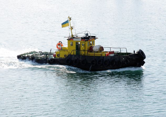 Tugboat in sea, Ukraine - бесплатный image #344519