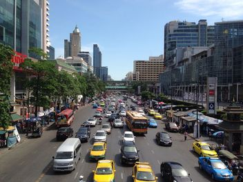 Traffic and architecture of Bangkok, Thailand - Kostenloses image #346249