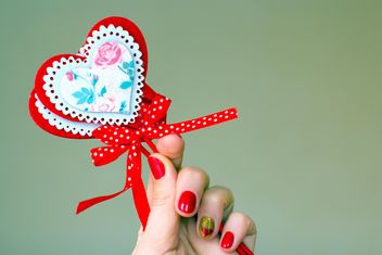Decoration for St. Valentine's Day in female hand - бесплатный image #346939