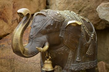 Statue of elephant on stone closeup - image gratuit #348499