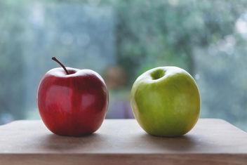 Two apples - image #386139 gratis