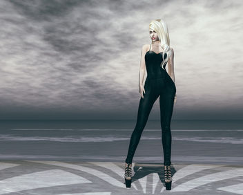 Nikita Jumpsuit by United Colors @ The Darkness - image gratuit #444549
