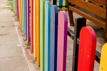 Happy Life starts with a colorful Fence - image gratuit #449399