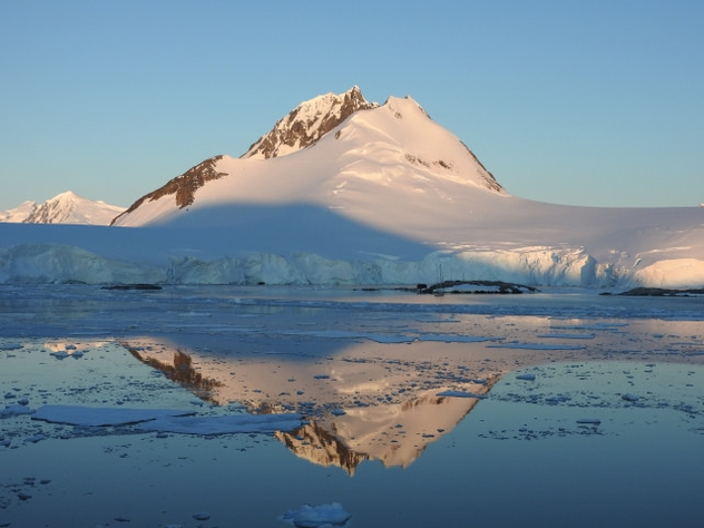 Antarctica with snow and ice with reflection in water - Free image #450259