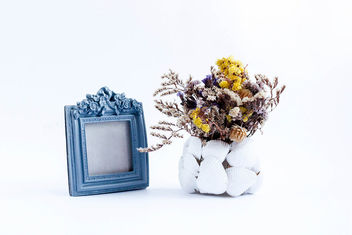 A composition with vintage photo frame and vase with dry flowers.jpg - Free image #450989