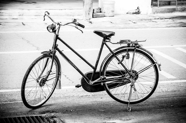 Bike on road in street - image #452379 gratis