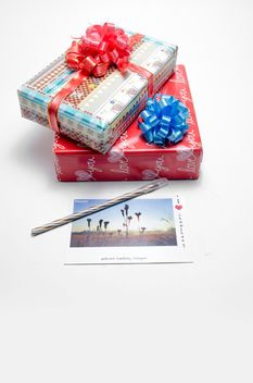 giftbox, postcard, whitebackground - бесплатный image #452549