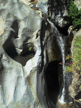 Heart Rock Hike waterfall, San Bernardino Mountains, California - Free image #454979