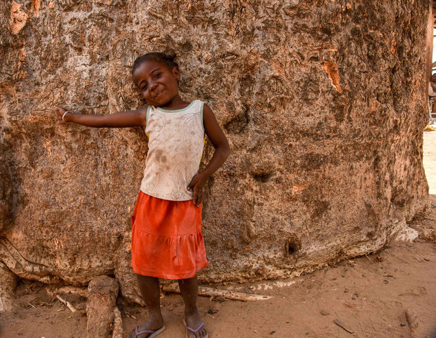 Girl and Baobab Base - image gratuit #456629