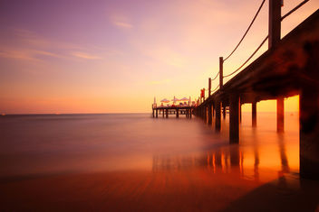 Sunset at pier - image gratuit #457059