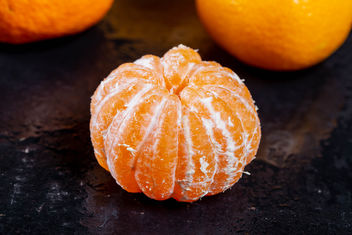 Freshly brushed tangerine with drops - image gratuit #457479