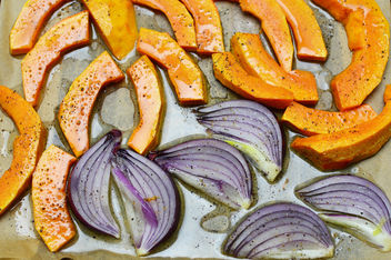 Pumpkin and red onion - image #457899 gratis