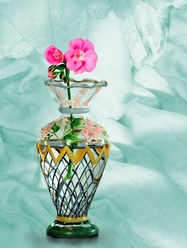 Painted Vase with Geranium - image gratuit #459879