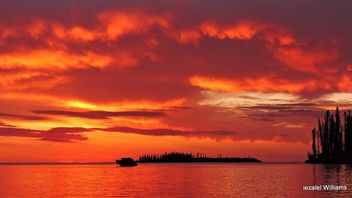 Sunset in Isle of Pines in New Caledonia by iezalel williams DSCN9235-001 - image #462769 gratis