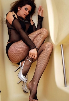 Goth Look - Legs In Fishnet Stockings - Kostenloses image #467369