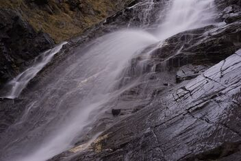 Waterfall close-up. - image gratuit #468979