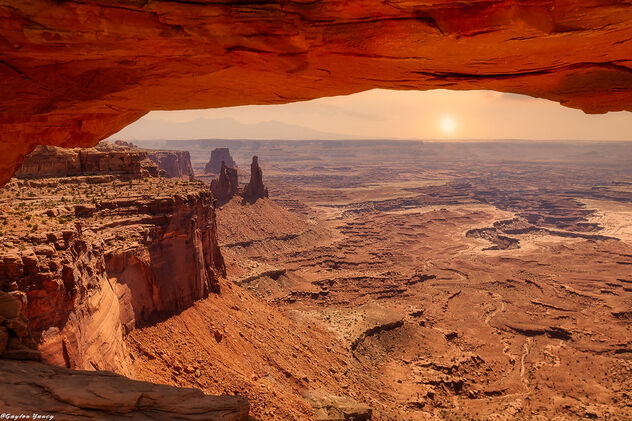 Canyonlands - Under the Mesa Arch - image #473219 gratis